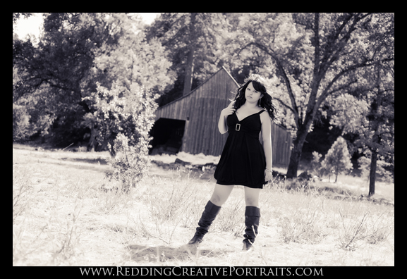 redding outdoor senior portrait photographer
