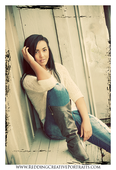 senior portrait photographer in redding
