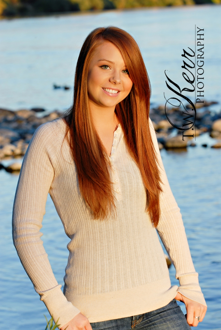 Oregon City Senior Portrait Photographer